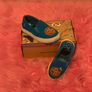 Cookie Monster Toms